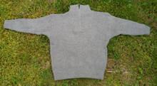 Ljusgrå stickad tröja