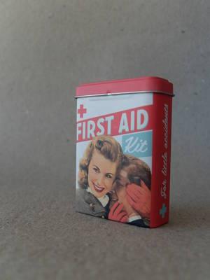 Plåster/Retro/First Aid  TILLFÄLLIGT SLUT
